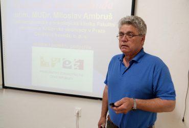Onkolog Miloslav Ambruš lektorem besed o rakovině